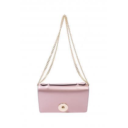 Alkalmi táska: Az alkalmi táska egy olyan tartozék, amely az elegáns megjelenéssel jár. A táska olyan alapfelszerelés, ami megkérdőjelezhetetlen minden nőnek....