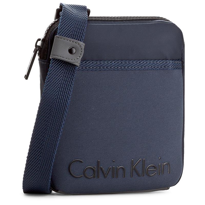 Calvin Klein Alec Mini Flat Cross Sötét kék Férfi Oldaltáska f3a602d3ca
