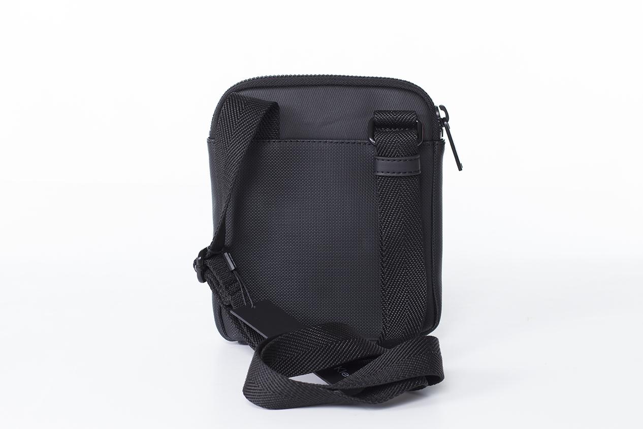 Calvin Klein Gregory Mini Flat Crossover Fekete Férfi Válltáska 770b4d7f4b